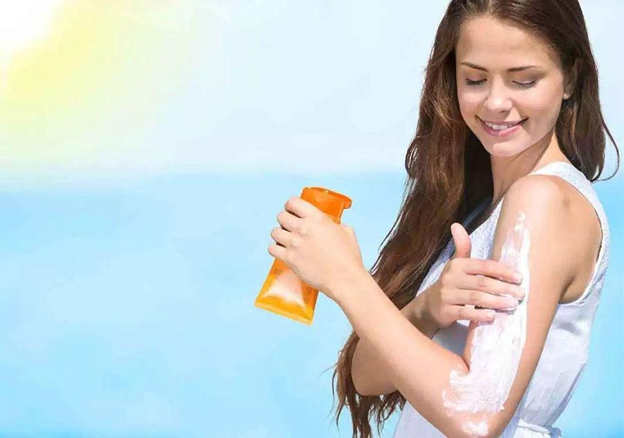 孕妇可以使用防晒霜吗 第2张-备孕-孕期检查-孕产妇食谱-胎教育儿